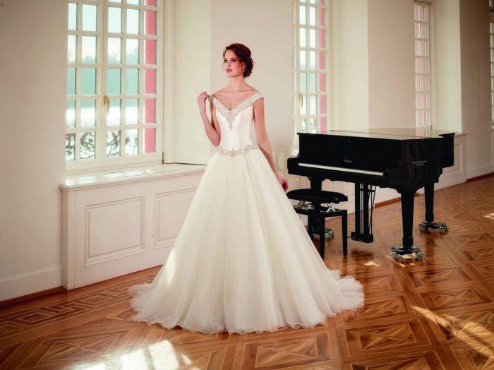 abito-sposa-Diane Legrand-2017-diamant-modello-6104-couture