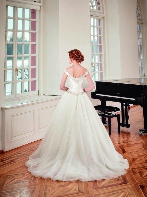abito-sposa-Diane Legrand-2017-diamant-modello-6104-couture-retro
