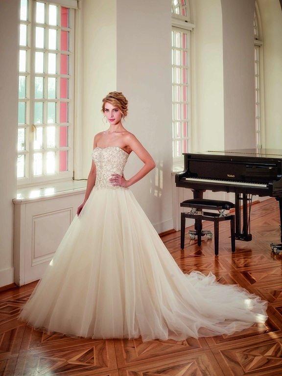 abito-sposa-Diane Legrand-2017-diamant-modello-6115-couture