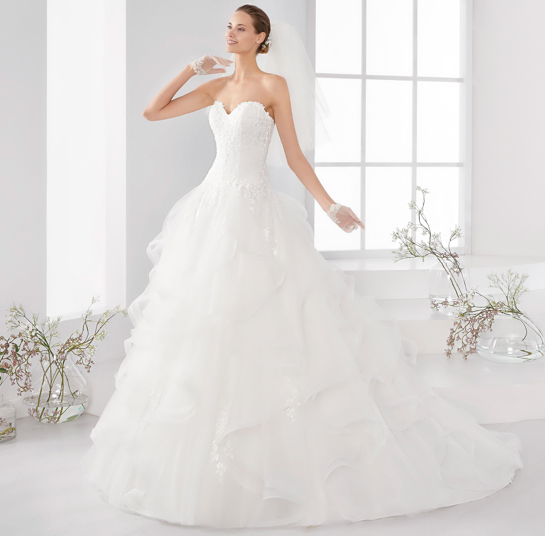 68c7bbbc4e47 Nicole Spose collezione Aurora 2018 abiti sposa5
